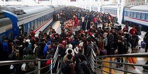'Sosyal Puanlamanın' Acı Sonuçları: Çin'de Milyonlarca Kişinin Uçak ve Trene Binmesi Yasak