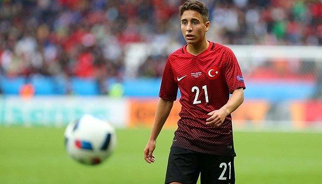 Emre'nin Türk Milli Takımı'mızı seçmesi için Fatih Terim sık sık babası ile görüşmüş ve babasının imzası alınarak Milli takım tercihini 2016 yılında Türkiye'den yana kullanmış ve ilk kez Karadağ maçında forma şansı bulmuştu.