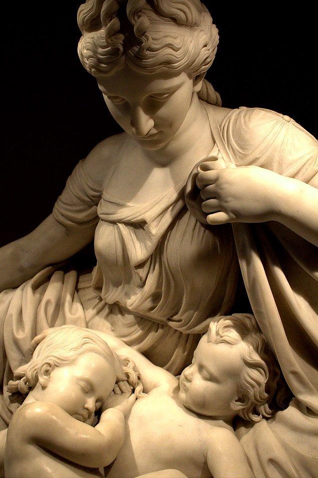 Bu benzersiz heykel, Metropolitan Sanat Müzesi'nde sergileniyor.