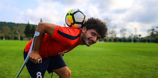 Hatta, bu 29 yaşındaki Türk'ün futbolla olan ilişkisini geliştirdi. Bu aşk ona olumlu yaşam fırsatları, uluslararası üne sahip olma ve kararlılığın ve güçlü bir öz güvenin nasıl düşük ihtimallere karşı başarı sağlayabileceğini gösterme fırsatı verdi.