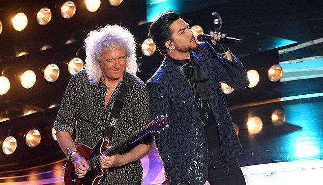 Queen grubunun gitaristi Brian May ve Adam Lambert, iki şarkılık performans gerçekleştirdi.