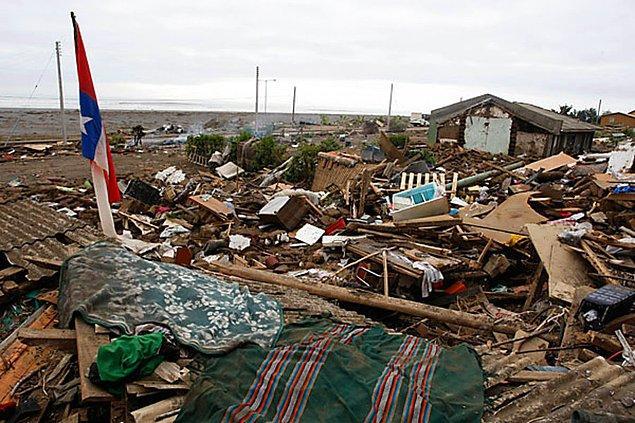 2010: Şili'de 8.8 büyüklüğünde deprem oldu.