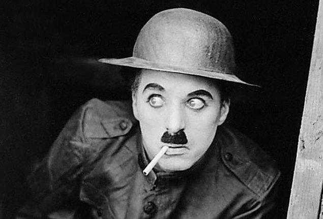 1978: Charlie Chaplin'in cenazesi, İsviçre'deki mezarlıktan çalındı.