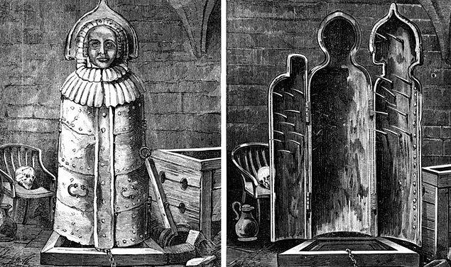 Demircilerden işkence aletleri sipariş eden Elizabeth, kurbanlarını çivili kafeslerin içine atıyordu...