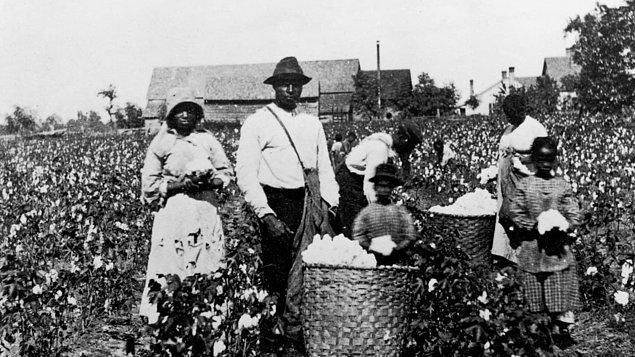 1807: ABD Kongresi, herhangi bir yabancı Krallık, yer veya ülkeden köle ithalatını yasakladı.