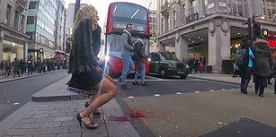 """Tamponlara Vergi Uygulamasına Tepki Olarak Londra'nın Ortasında """"Regl Patlaması"""" Yaşayan Kadın"""