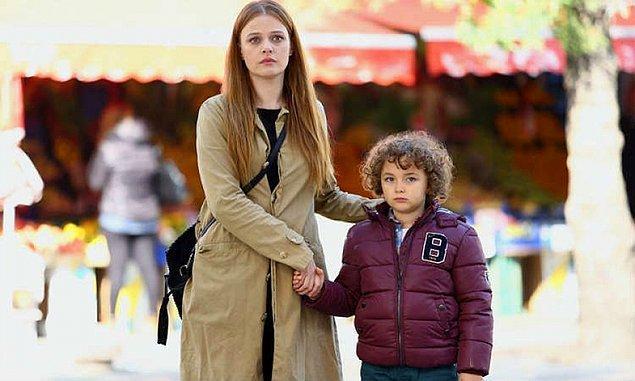 Kördüğüm dizisinin Kaan'ı, Aybars Kartal 2008 doğumlu ama dizilerin aranan yüzü ve CV'si küçük yaşına rağmen epey dolgun.