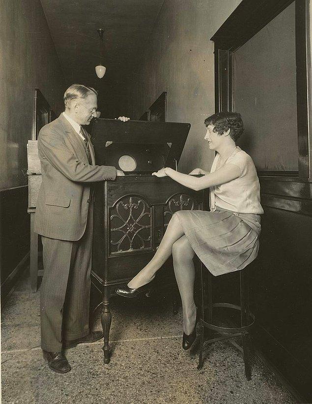 6. Vladimir Zworykin elektrikli televizyonu anlatıyor, 1929.