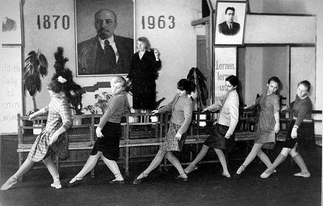 21. Sovyetler Birliği'nde dans dersleri.