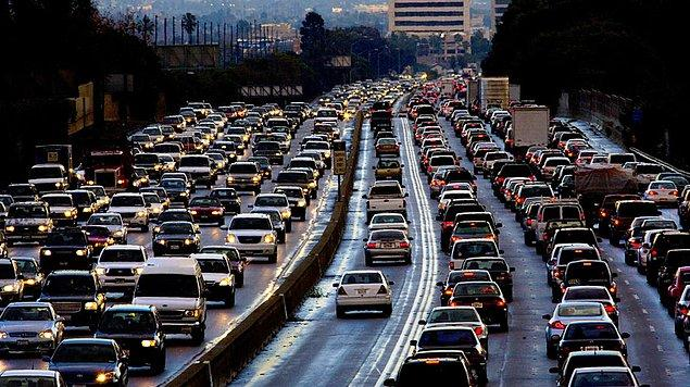13. TRAFİK sıkışıklığı yüzünden bir ŞOFÖR bir YILDA kaç SAAT KAYBEDİYOR? (220 şehirden)