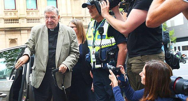 Avustralya Kardinali George Pell, iki erkek çocuğa taciz suçlamasıyla yargılanıyordu.