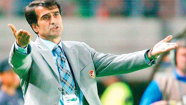 Daha önce 2000-04 yılları arasında Türkiye A Milli Futbol Takımını çalıştıran Şenol Güneş, takımı 1954 senesinden sonra ilk kez FIFA Dünya Kupası'na götürmüştü.