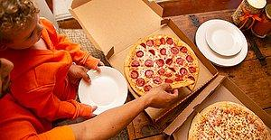 Sucuğa Doyacaksınız! İki Orta Boy Sucuk Karışık Pizza Sadece 18 + 18 TL!