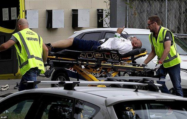 Saldırı esnasında camide, cuma namazı için 200 kişinin bulunduğu belirtildi.