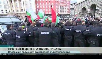 Eylemi Dağıtmak İçin Biber Gazı Sıkan Bulgaristan Polisi, Biber Gazını Kendine Sıktı!