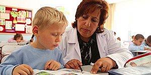 'Bakımsızlıktan Kapanacak Okulllar' Listesindeki Okulu 'Anne Eli' ile Baştan Yaratan Öğretmen!