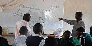 O Esnada Kenya'da, Yoksul Bir Köyde: Maaşının Yüzde 80'ini Öğrencilere Bağışlayan Peter Tabichi 'Dünyanın En İyi Öğretmeni' Seçildi