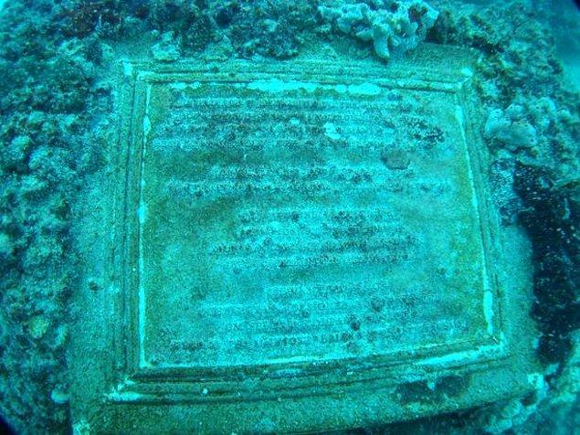 Florida'nın kıyı kesiminde bulunan Key Biscayne açıklarında yer alan resif, kayıp şehir Atlantis'e adanmış bir sanat eseri olarak oluşturuldu.