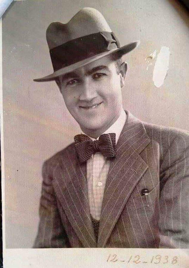 9. Bir edebiyat öğretmeni, Kahramanmaraş Lisesi 1938.