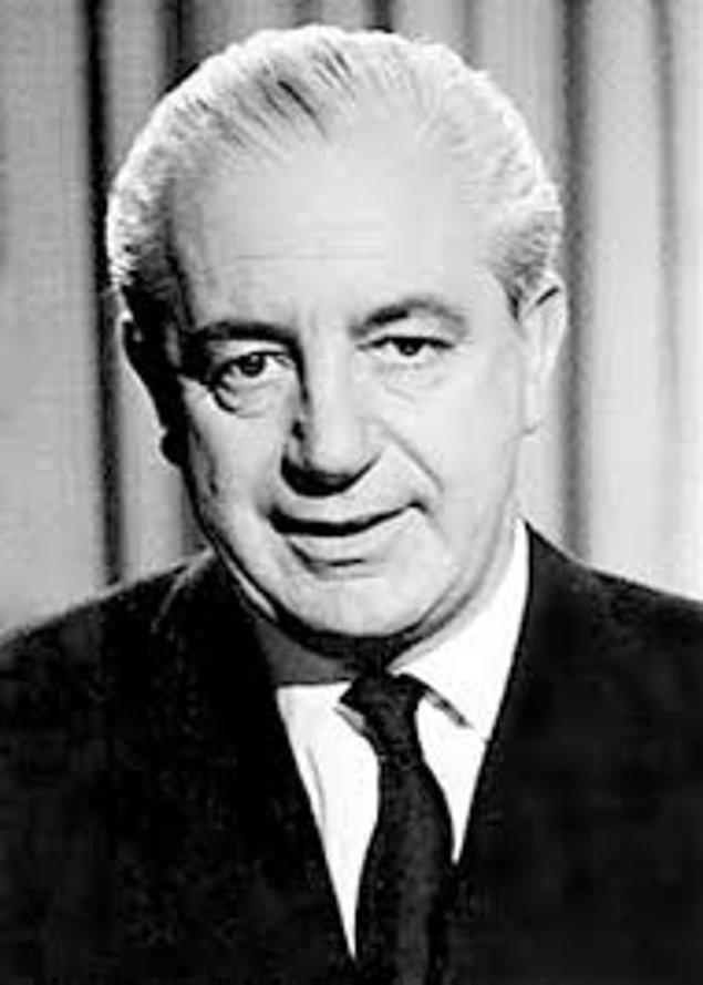 2. Avustralya Başbakanı Harold Holt 1967 yılında yüzerken kaybolmuştur. Hala da bulunamamıştır.