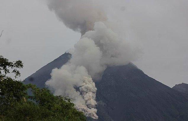 2006 - Merapi Yanardağı patladı.