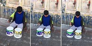 Elindeki İmkanlarla Sokakta Müzik Yapan Ufaklık