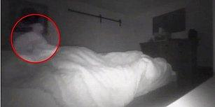 """Her Gece Yatağına """"Hayalet"""" Girdiğini Düşünen Adamın Yakaladığı Görüntüler İnternet Dünyasını İkiye Böldü!"""