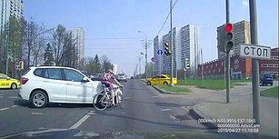 Kırmızı Işıkta Geçmenin Cezasını Ağır Ödeyen Bisikletli