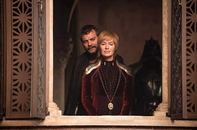 Cersei, Demir Taht'ta kalmak için öldürmeye hazırdı ve söylediğine göre Euron'dan da bir bebek bekliyordu.