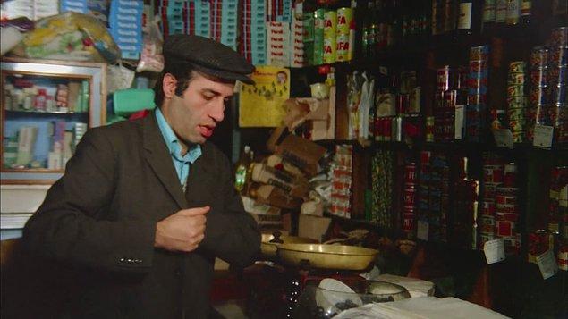 10. Türk Sineması'nın gurur kaynağı olan bu film aynı zamanda Kemal Sunal'ın ilk Altın Portakal ödülünü kucakladığı film olarak da önem taşır.