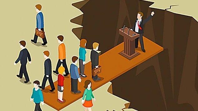 """5. """"Özgür bir toplumda devlet insanların işlerini yönetmez. Kendi işlerini yürüten insanlar arasında adaleti yönetir."""""""