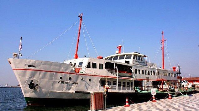 Deniz Ticaret Odası İzmir Şubesi Başkanı Yusuf Öztürk yaptığı açıklamada, Türkiye'nin ilk yüzen kütüphanesinin Mayıs ayında hizmet vermeye başlayacağını bildirdi.