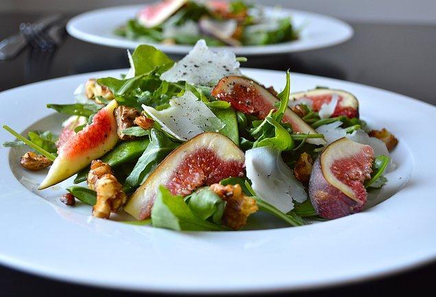 4. Daha tatlı bir salataya ne dersiniz?