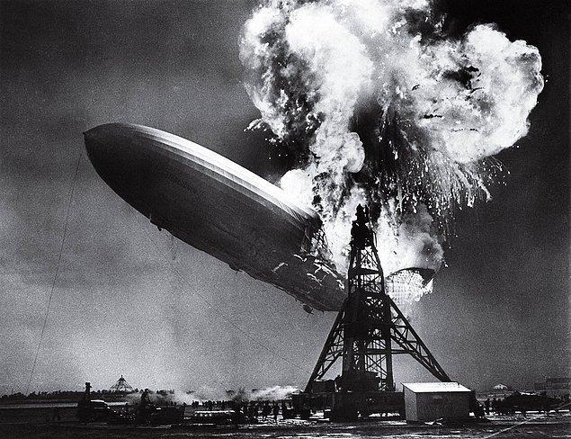 1937 - Dünyanın en büyük zeplini olan Hindenburg, havalandıktan kısa süre sonra alev aldı ve yanarak yere çakıldı.