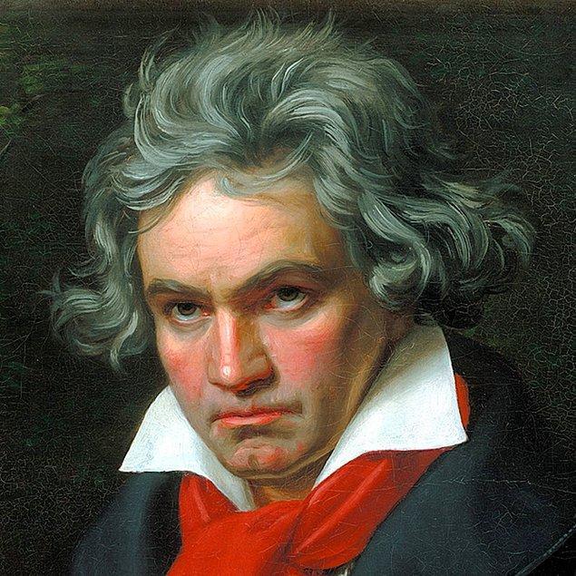 1824 - İşitme duyusunu yitiren Beethoven, Viyana'da 9. senfoniyi ilk kez sundu.