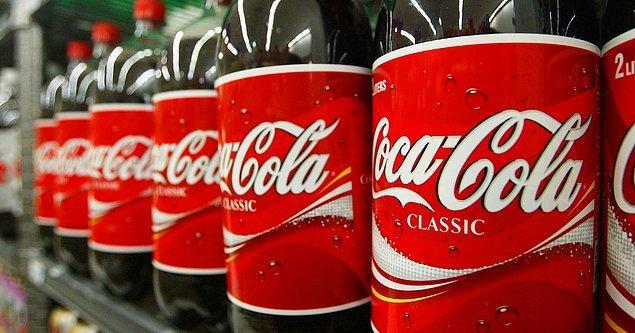 1886 - Atlantalı kimyacı ve eczacı olan John S. Pemberton, dünyanın en ünlü içeceği haline gelecek olan Coca-Cola'yı Georgia'da icat etti.