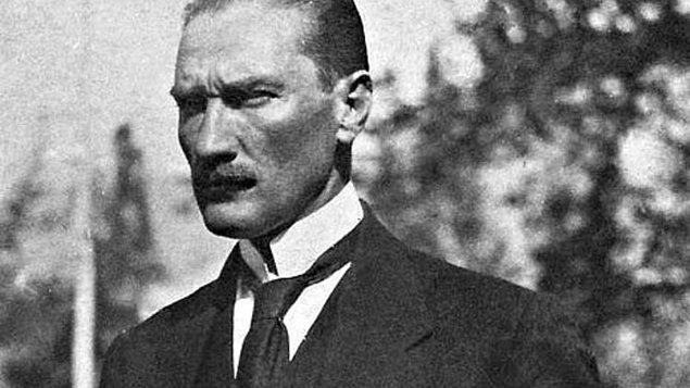 1938 - Atatürk, çiftliklerini ve taşınmazlarını ulusa bağışladı.