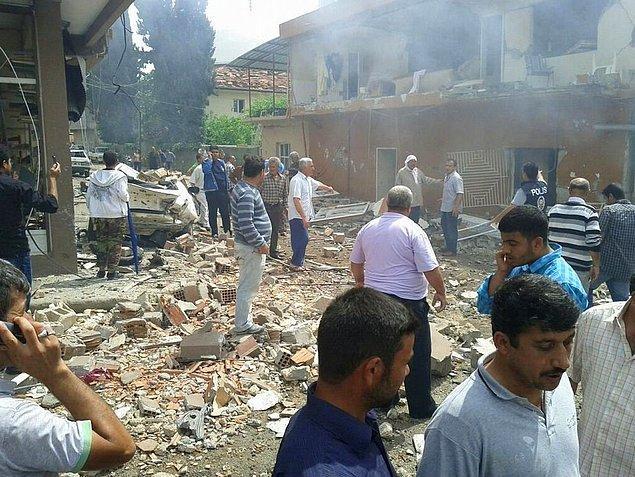 2013 - Hatay'ın Reyhanlı ilçesinde arka arkaya iki patlama oldu. Patlamada 52 kişi hayatını kaybederken, 150'nin üzerinde kişi de yaralandı.