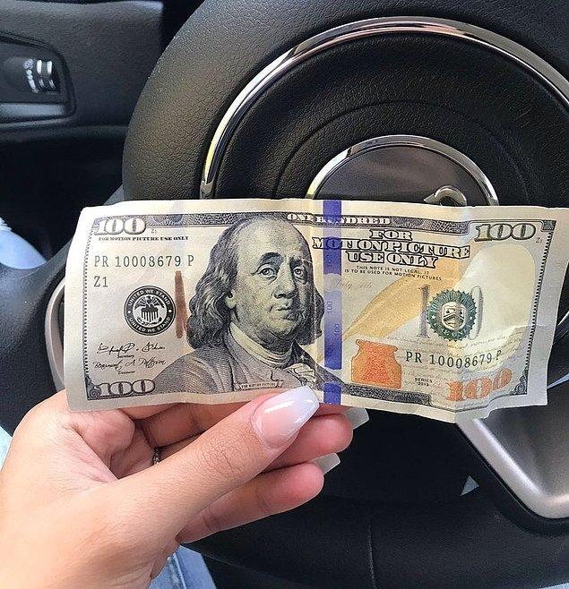 """13. """"Eşim bana 100 dolar verdi ve tırnaklarımı yaptırmaya gitmemi söyledi. Kırıldım ve utandım çünkü parayı kullanana kadar sahte olduğunu anlamadım."""""""