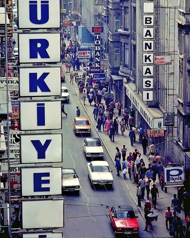 4. İstiklal Caddesi, İstanbul, 1980.