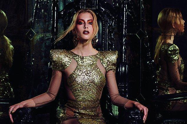 Bir Lannister aslanı gibi metalik altın rengini (Lannister Gold) gururla sür,