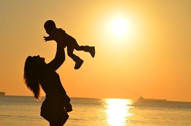 Toplam hanehalklarının yüzde 1,9'unun baba ve çocuklardan, yüzde 7'sinin ise yalnızca anne ve çocuklardan oluştuğu görüldü.