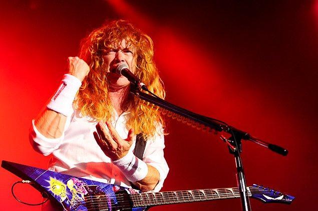 Mustaine sakatlıktan iki yıl sonra, 2004 yılında, grubu yeniden toplar. O gün bugündür Dave, Megadeth ile sahnelerin tozunu attırmaya devam ediyor!