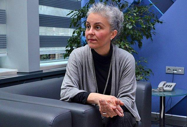 Bu arada Ferhunde Hanımlar ile başlayan televizyon macerası Bizim Evin Halleri ile devam ediyor.