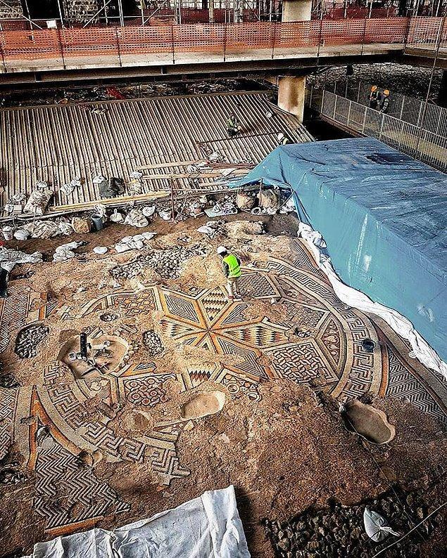 İnşaat sırasında ortaya çıkartılan mozaikler, M.Ö. 2. yüzyıla yani Antiochia'nın ilk kurulduğu döneme uzanıyor...