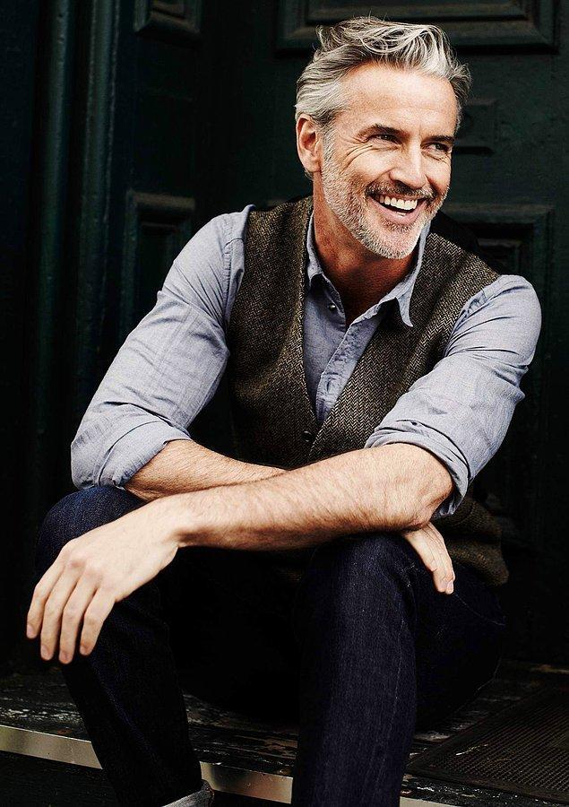 14. T.R. Pescod 53 yaşında aktör, model ve tasarımcı.