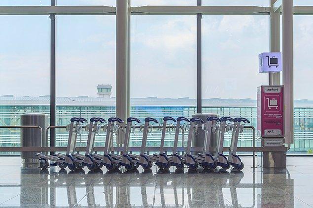 6. Seyahate çıkıyorsunuz, haliyle eliniz kolunuz da dolu. Bagajlarınız çoksa bagaj arabası ünitelerinden yararlanabilirsiniz.