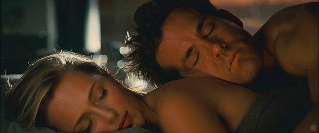 """""""Ama yalnız uyumak zorunda değilsiniz."""""""