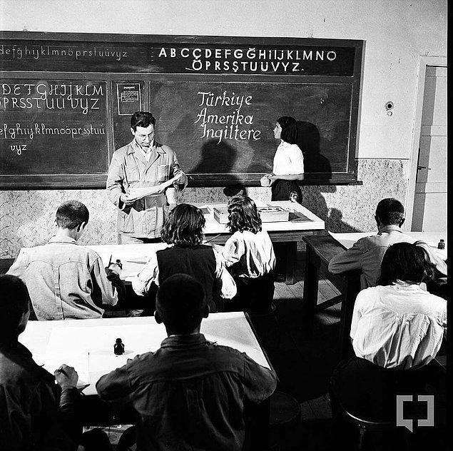 """12. """"Eğitim Enstitüsü mezunu öğretmenler çocuğu insan yerine koyan, birinci sınıf pedagog, görmüş geçirmiş profillerdi. Bugün bu yapıyı tekrardan diriltme ve bu model üzerinde düşünme çabası bile yok. """""""