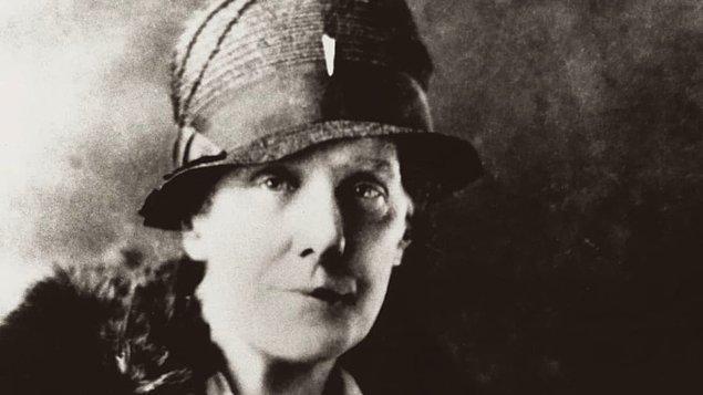 Amerika İç Savaşı sırasında, Anna'nın annesi Ann Jarvis, çatışmanın her iki tarafındaki yaralılarla da ilgileniyordu.